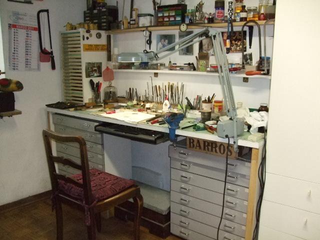 Orologiko leggi argomento progetto tavolo da lavoro for Tavolo degli hobby