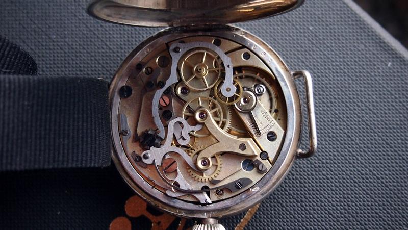 informazioni per 4c80b adec5 OROLOGIKO • Leggi argomento - cronografo anni 30 con ...